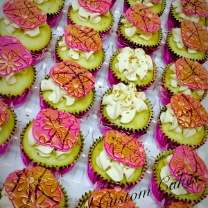 Pink and gold Snickerdoodle cupcakes