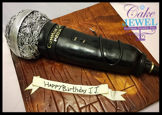 3D Microphone cake