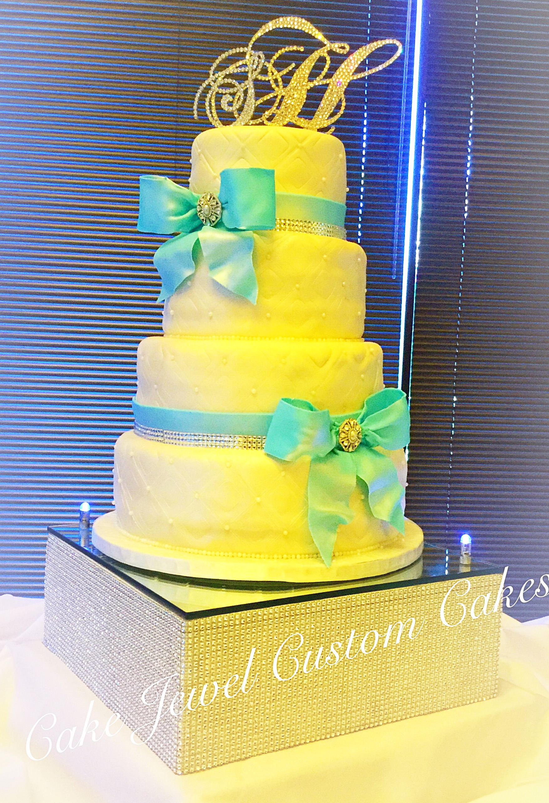White & Turquiose Wedding cake