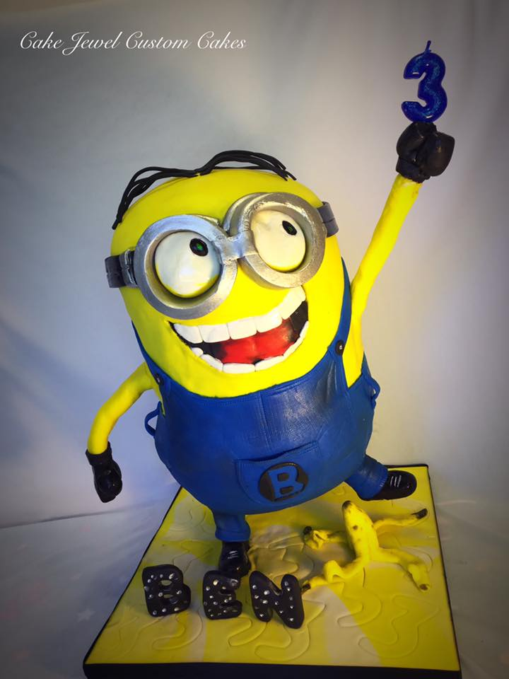 Minions and bananas Cake Gravity defying