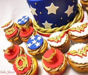 Wonderwomen themed cupcakes
